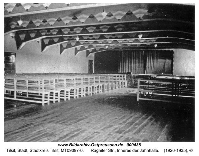Tilsit, Ragniter Str., Inneres der Jahnhalle