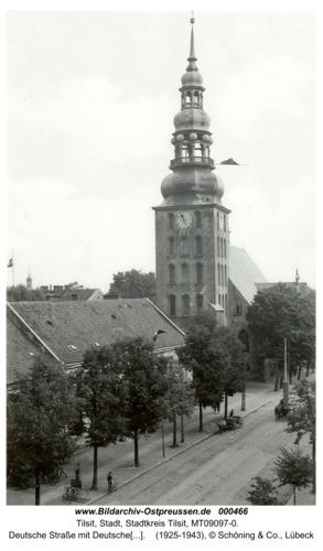 Tilsit, Deutsche Straße mit Deutscher Kirche