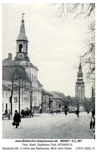 Tilsit, Deutsche Str. in Höhe des Rathauses, Blick nach Osten