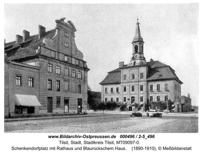 Tilsit, Schenkendorfplatz mit Rathaus und Blaurockschem Haus