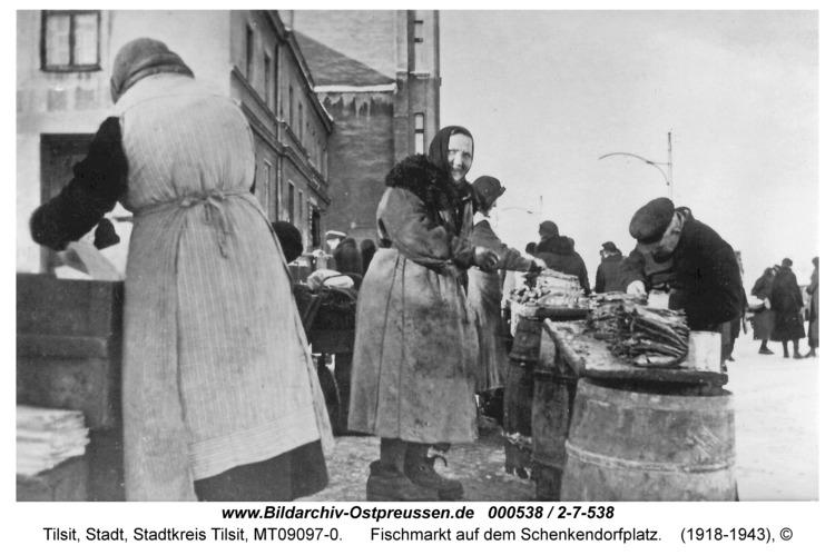 Tilsit, Fischmarkt auf dem Schenkendorfplatz