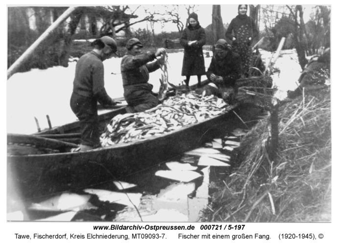 Tawe, Fischer mit einem großen Fang