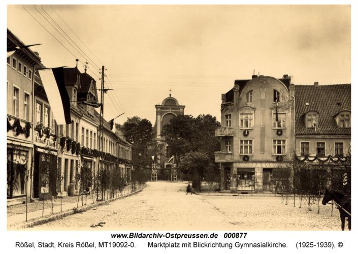 Rößel, Marktplatz mit Blickrichtung Gymnasialkirche