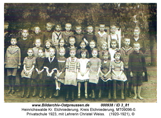 Heinrichswalde, Privatschule 1923, mit Lehrerin Christel Weiss