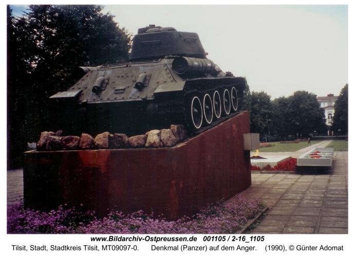 Tilsit, Denkmal (Panzer) auf dem Anger