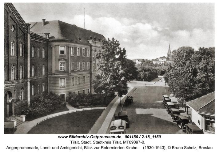 Tilsit, Angerpromenade, Land- und Amtsgericht, Blick zur Reformierten Kirche