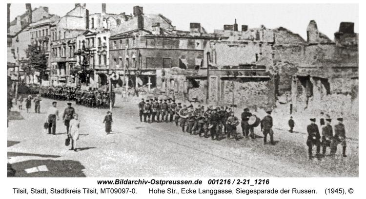 Tilsit, Hohe Str., Ecke Langgasse, Siegesparade der Russen