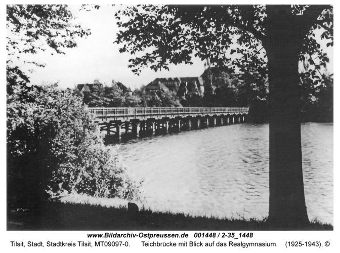 Tilsit, Teichbrücke mit Blick auf das Realgymnasium