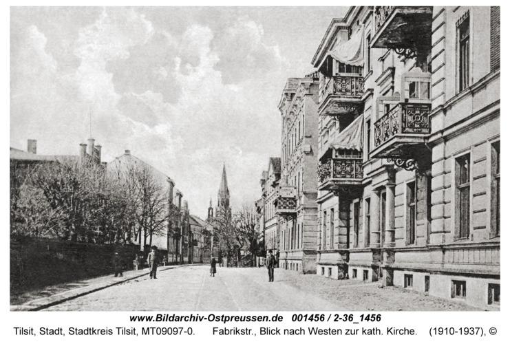 Tilsit, Fabrikstr., Blick nach Westen zur kath. Kirche