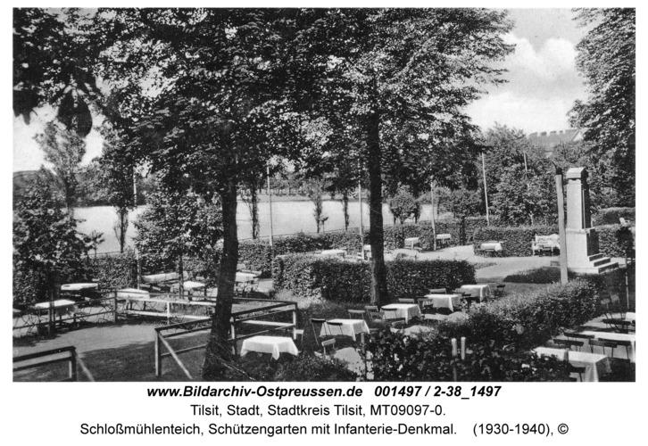 Tilsit, Schloßmühlenteich, Schützengarten mit Infanterie-Denkmal