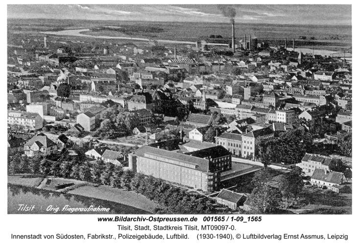 Tilsit, Innenstadt von Südosten, Fabrikstr., Polizeigebäude, Luftbild