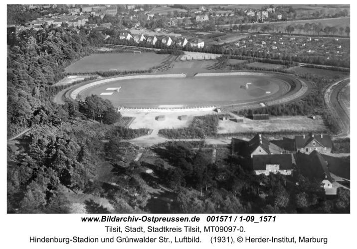 Tilsit, Hindenburg-Stadion und Grünwalder Str., Luftbild