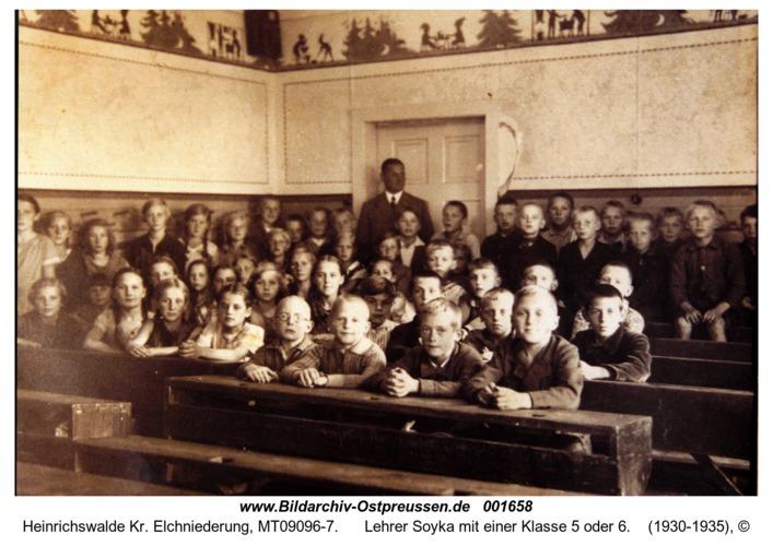 Heinrichswalde, Lehrer Soyka mit einer Klasse 5 oder 6