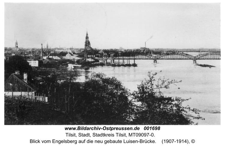 Tilsit, Blick vom Engelsberg auf die neu gebaute Luisen-Brücke