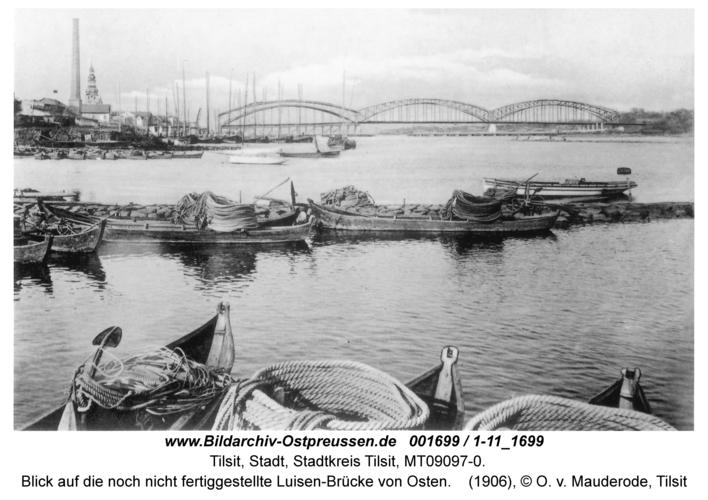 Tilsit, Blick auf die noch nicht fertiggestellte Luisen-Brücke von Osten