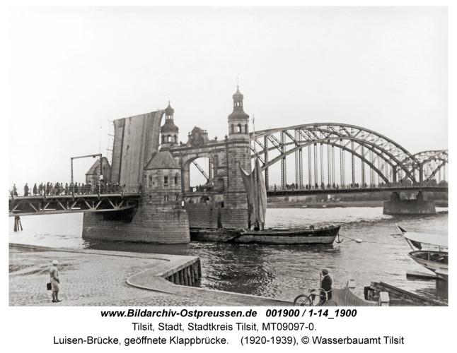 Tilsit, Luisen-Brücke, geöffnete Klappbrücke