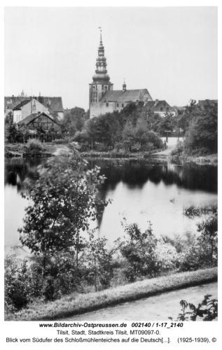 Tilsit, Blick vom Südufer des Schloßmühlenteiches auf die Deutsche Kirche