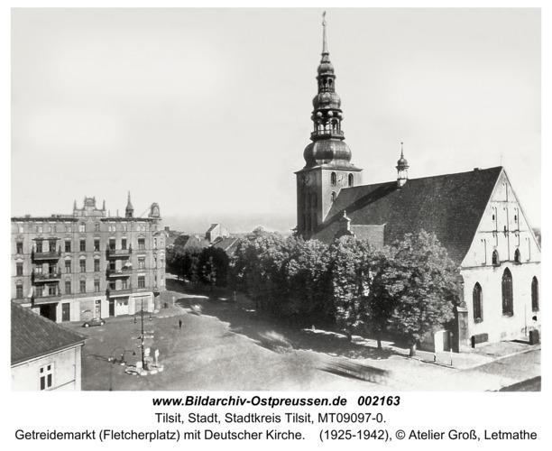 Tilsit, Getreidemarkt (Fletcherplatz) mit Deutscher Kirche