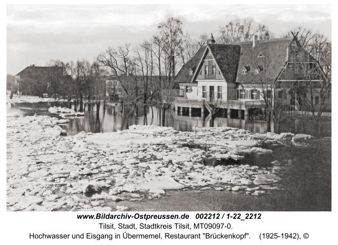 """Tilsit, Hochwasser und Eisgang in Übermemel, Restaurant """"Brückenkopf"""""""