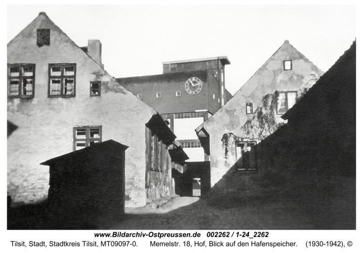 Tilsit, Memelstr. 18, Hof, Blick auf den Hafenspeicher