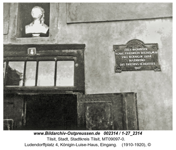 Tilsit, Ludendorffplatz 4, Königin-Luise-Haus, Eingang