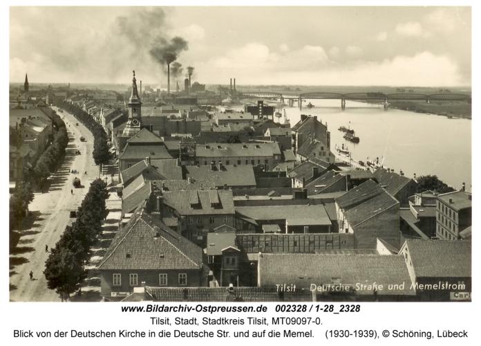 Tilsit, Blick von der Deutschen Kirche in die Deutsche Str. und auf die Memel