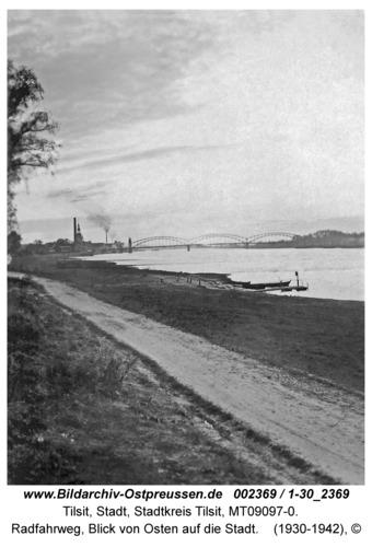 Tilsit, Radfahrweg, Blick von Osten auf die Stadt