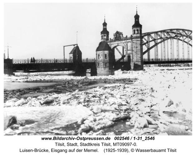 Tilsit, Luisen-Brücke, Eisgang auf der Memel
