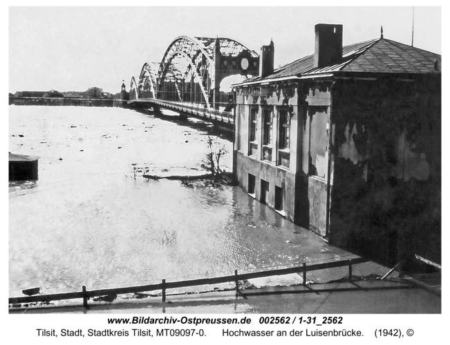 Tilsit, Hochwasser an der Luisenbrücke