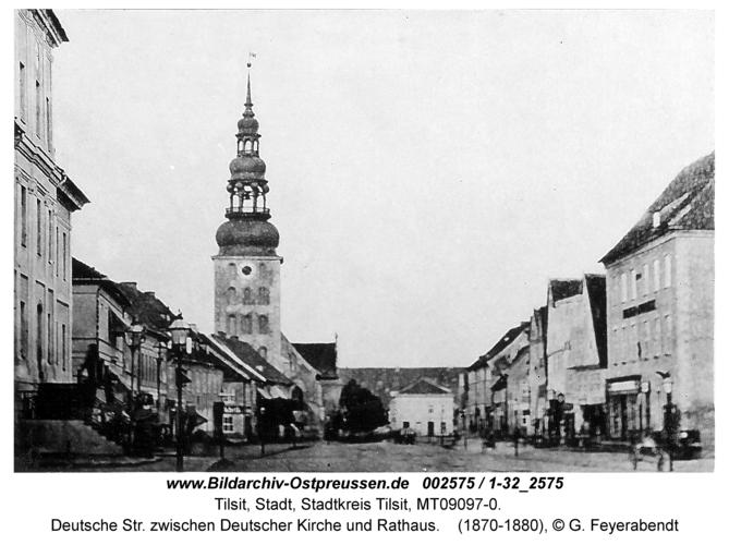 Tilsit, Deutsche Str. zwischen Deutscher Kirche und Rathaus