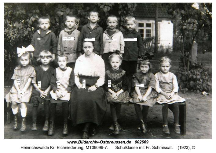 Heinrichswalde, Schulklasse mit Fr. Schmissat