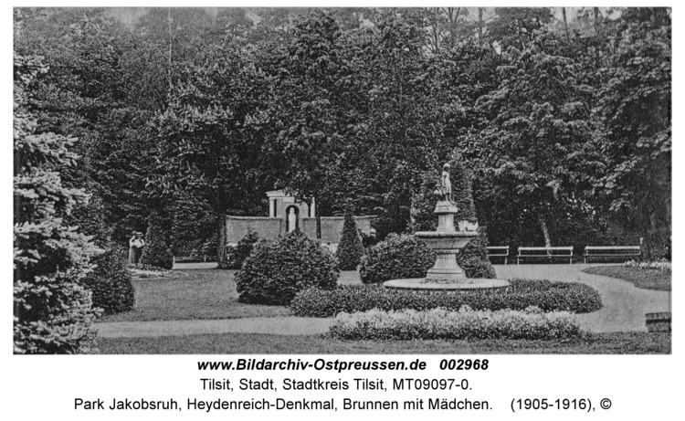 Tilsit, Park Jakobsruh, Heydenreich-Denkmal, Brunnen mit Mädchen