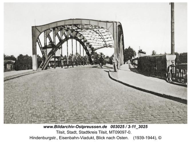 Tilsit, Hindenburgstr., Eisenbahn-Viadukt, Blick nach Osten