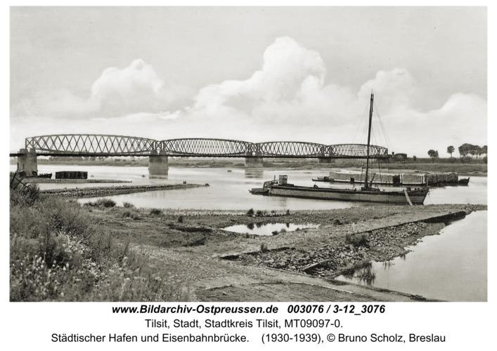 Tilsit, Städtischer Hafen und Eisenbahnbrücke