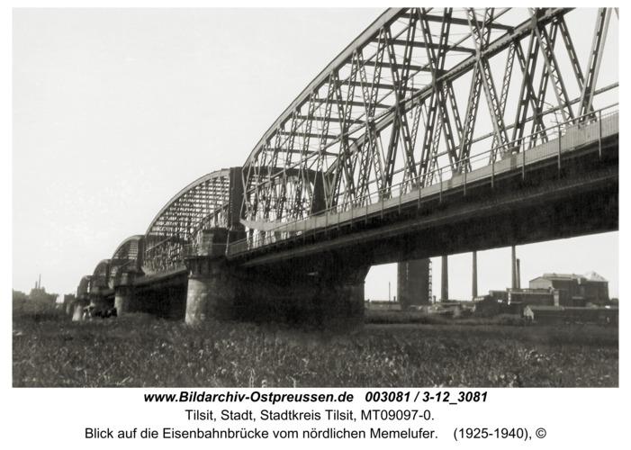 Tilsit, Blick auf die Eisenbahnbrücke vom nördlichen Memelufer