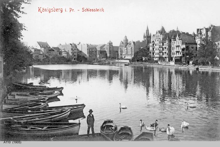 Königsberg, Schloßteich mit Bootsanleger