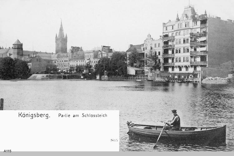 Königsberg, Partie am Schloßteich und Blick auf das Schloß