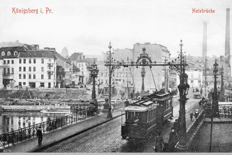 Königsberg, Holzbrücke mit Straßenbahn