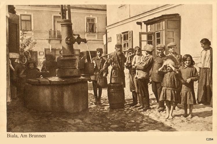 Biala, Am Brunnen