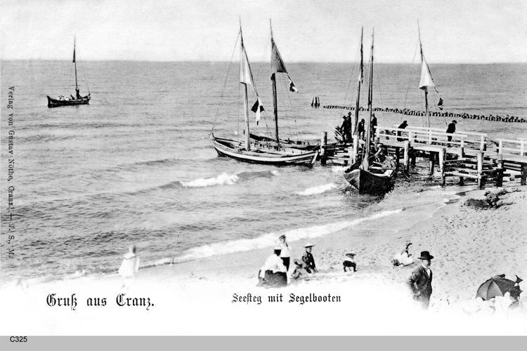 Cranz, Seesteg mit Segelbooten