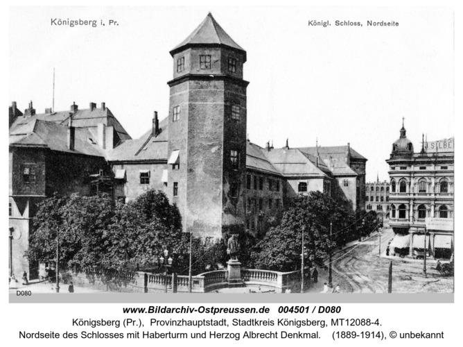 Königsberg, Nordseite des Schloßes mit Haberturm und Herzog Albrecht Denkmal