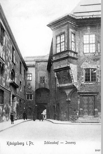Königsberg, Schloß, Haupttor und Erker von der Hofseite