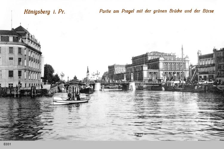 Königsberg, Partie am Pregel mit Grüner Brücke und Börse