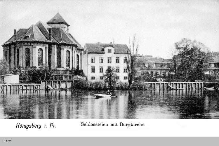 Königsberg, Schlossteich mit Burgkirche