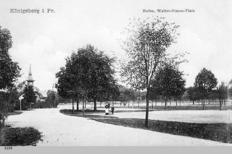 Königsberg, Hufen, Walter Simon Platz