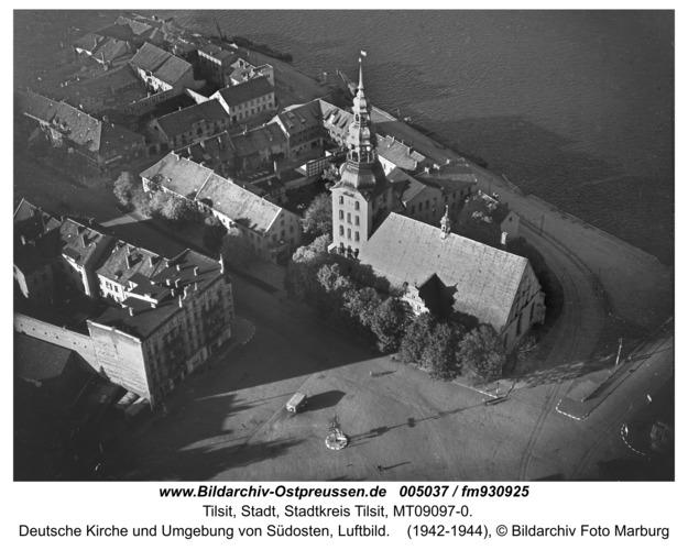 Tilsit, Deutsche Kirche und Umgebung von Südosten, Luftbild