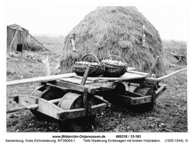 Seckenburg, Tiefe Niederung Erntewagen mit breiten Holzrädern