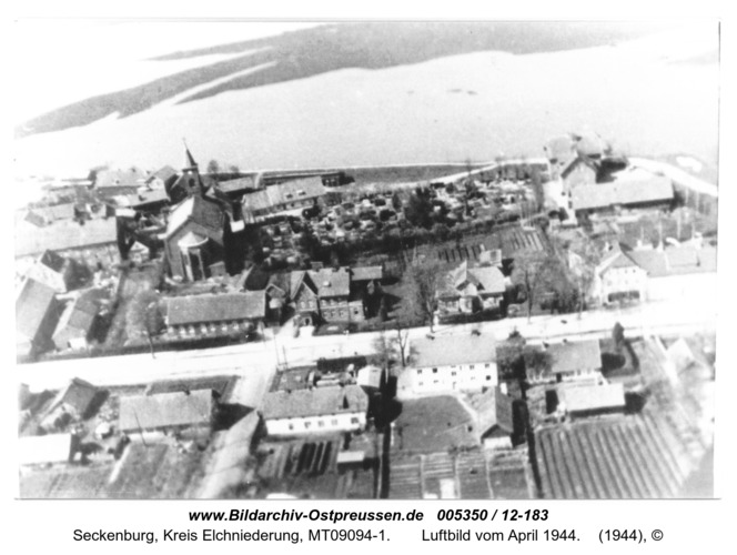 Seckenburg,  Luftbild vom April 1944