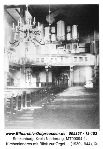 Seckenburg, Kircheninneres mit Blick zur Orgel