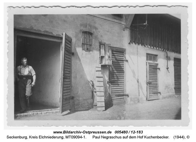 Seckenburg, Paul Negraschus auf dem Hof Kuchenbecker